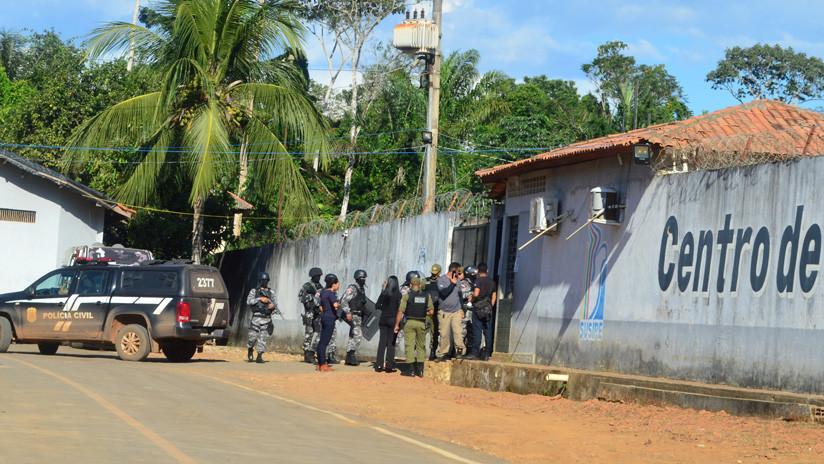Reos habrían 'jugado fútbol' con las cabezas de prisioneros decapitados durante un motín en Brasil
