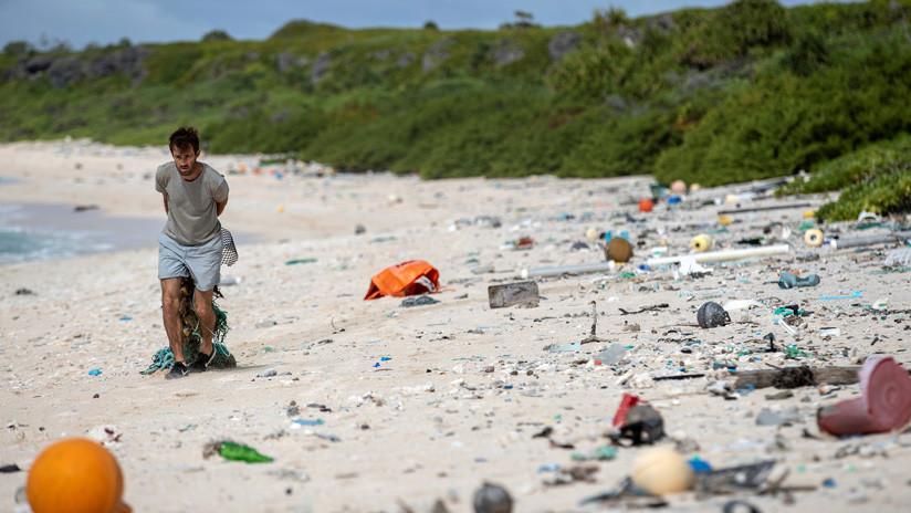 FOTOS: Hallan 18 toneladas de residuos en una paradisíaca isla del Pacífico a miles de kilómetros de toda zona poblada