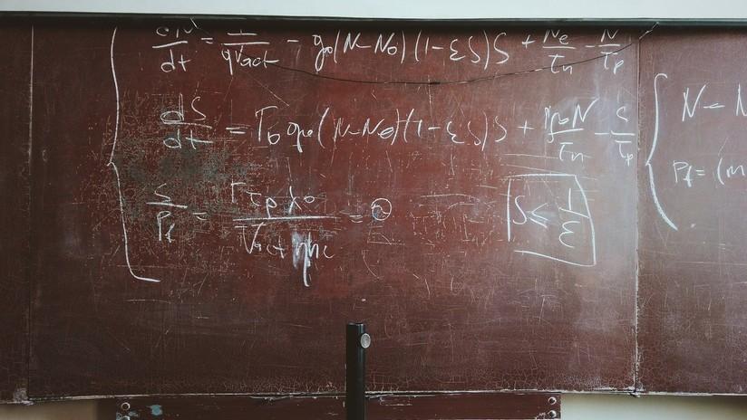 FOTO: Este aparentemente sencillo ejercicio matemático divide la Red