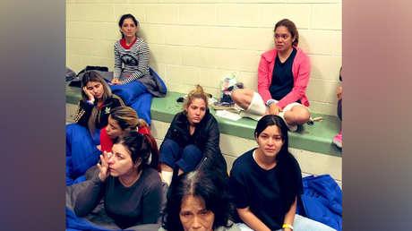 Mujeres en el centro de detención de El Paso (Texas, EE.UU.) el 1 de julio de 2019