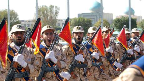 Soldados de Irán durante un desfile, Teherán.