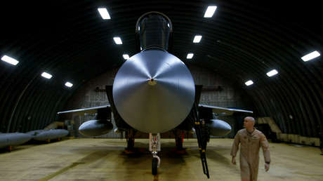 Un caza F-15C estadounidense en la base aérea Incirlik en Turquía en 2002.