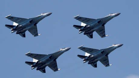 Los aviones de combate Su-35.