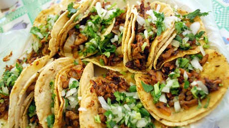 Los tacos al pastor de México fueron considerados como el mejor platillo del mundo.