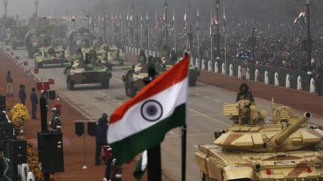 Tanques Arjun MK-I del Ejército indio durante un desfile en Nueva Delhi, 2014.