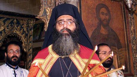 Neophytos durante una misa en la iglesia Ayios Mamas en Chipre, el 2 de septiembre de 2004