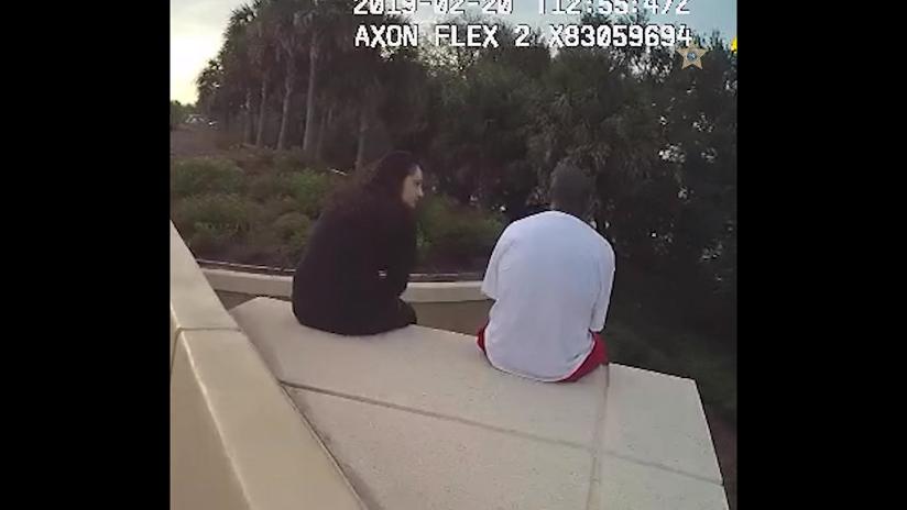 VIDEO: Una estadounidense salva la vida de un suicida con una canción de Linkin Park