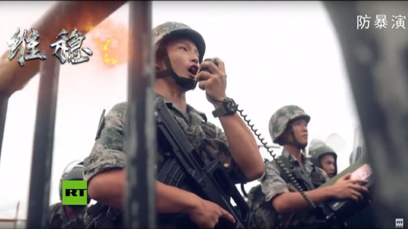 VIDEO: El Ejército chino difunde una advertencia con imágenes de soldados con equipos antidisturbios en medio de las protestas en Hong Kong