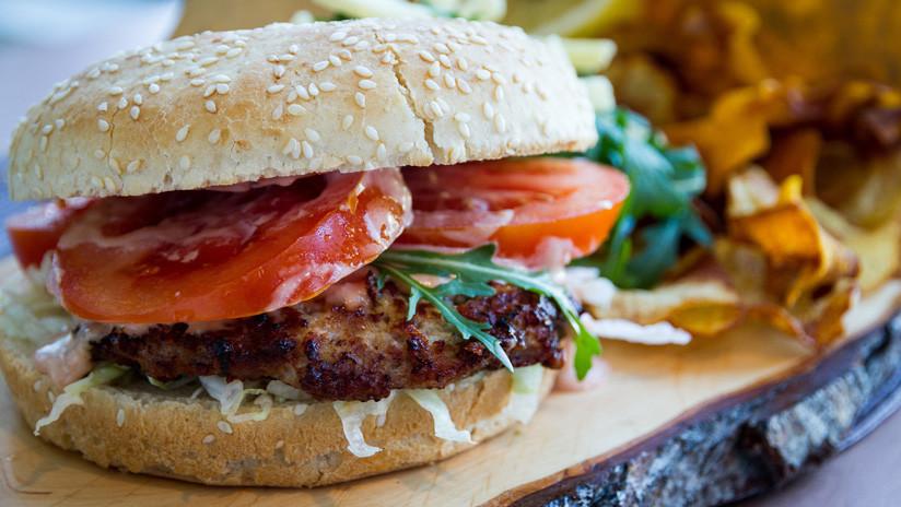 Aprueban en EE.UU. la venta de hamburguesas crudas de 'carne vegetal'