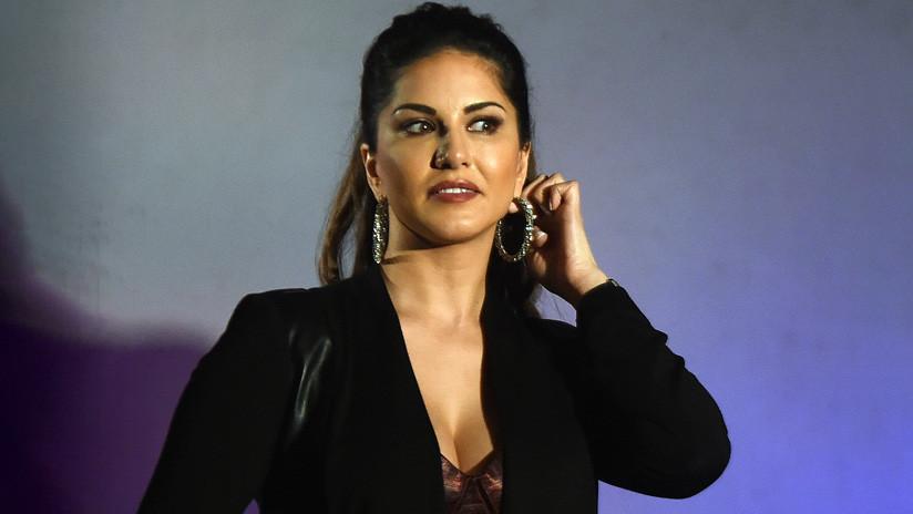 Ícono de Bollywood da 'su' número de teléfono en una película y resulta ser el de un hombre que luego recibe miles de llamadas de acoso