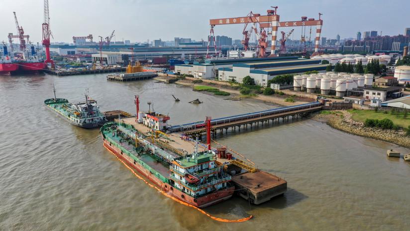 China almacena millones de barriles de crudo iraní y podría hacer convulsionar los mercados si decide usarlos
