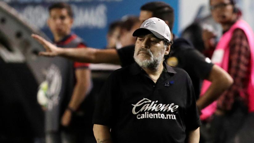 """""""Por qué camina así?"""" Maradona publica un compilado de las patadas más duras que sufrió para explicar el porqué de su operación en la rodilla (VIDEO)"""