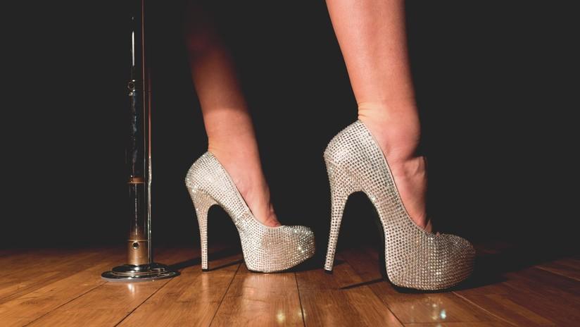 Un club de 'striptease' promete enviar bailarines eróticos a la 'toma' masiva del Área 51