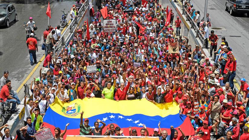 El chavismo marcha en Caracas para rechazar el recrudecimiento de las sanciones de EE.UU. contra Venezuela