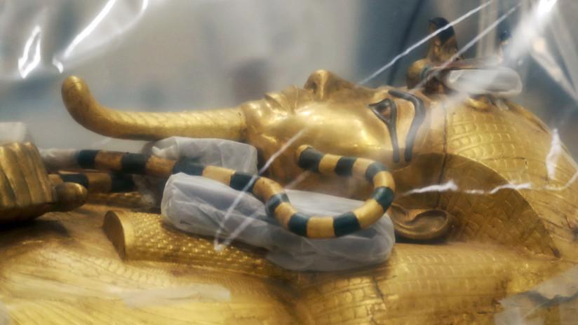 Así restauran el legendario sarcófago dorado de Tutankamón en Egipto