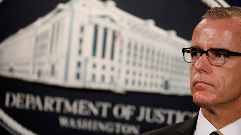 Exsubdirector del FBI demanda a la agencia y al Departamento de Justicia, y culpa a Trump de su despido