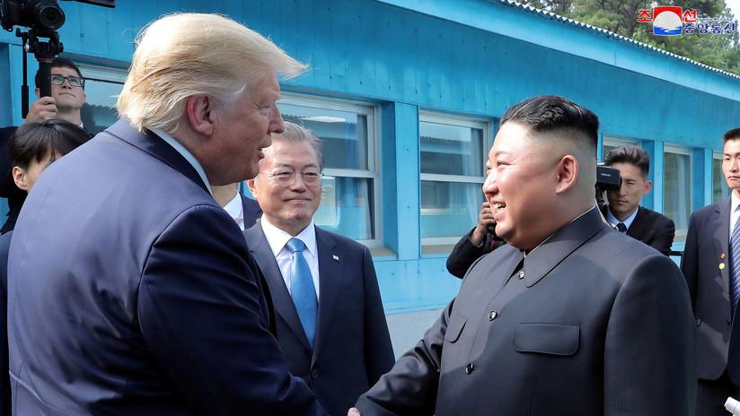 """Trump afirma que Kim Jong-un envió una """"pequeña disculpa"""" por probar misiles de corto alcance"""