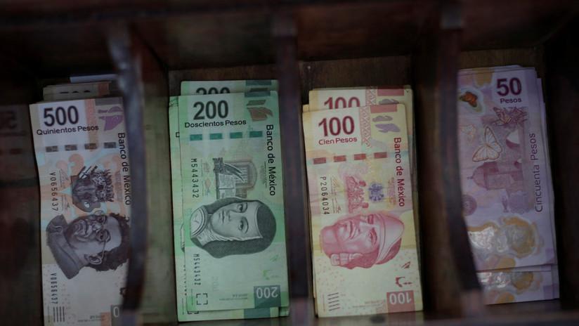 Cae el peso mexicano en medio de aversión al riesgo en mercados emergentes