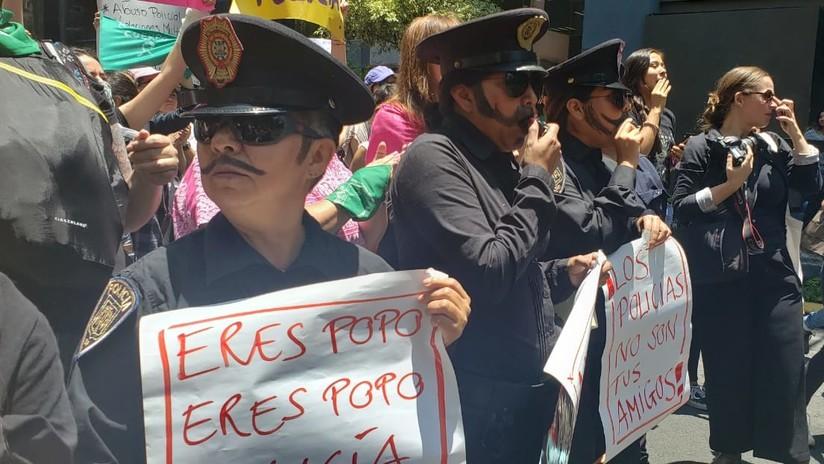 """""""No nos cuidan, nos violan"""": mujeres protestan en Ciudad de México por la menor violada por cuatro policías (FOTOS, VIDEOS)"""