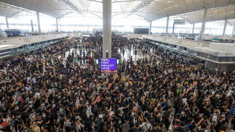 Reanudan las operaciones en el aeropuerto internacional de Hong Kong