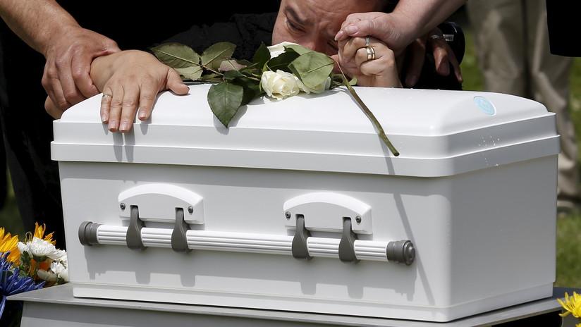 México: Llegan a un hospital a recoger el cuerpo de su bebé recién  fallecido y reciben un ataúd lleno de basura - RT