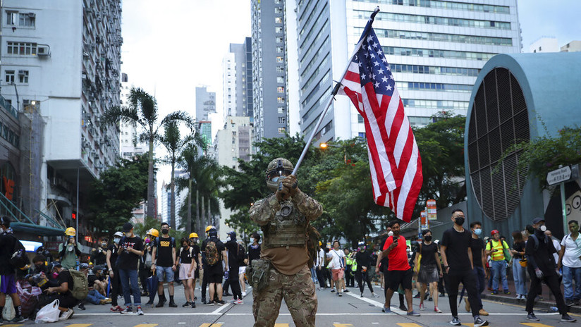 Experto: La reacción de Washington apunta a que las protestas de Hong Kong pueden ser una típica 'revolución de colores'