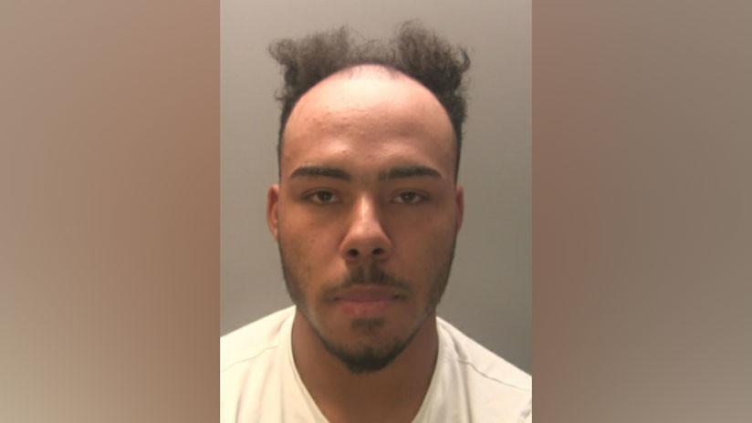 La Policía se ve obligada a retirar la foto de un fugitivo de su cuenta de Facebook tras recibir una ola de burlas