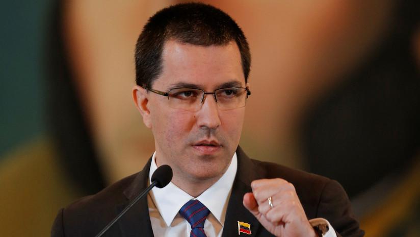 """Arreaza critica que el Gobierno de Colombia quiera hablar de Venezuela en la ONU y no de las """"masacres"""" en su país"""