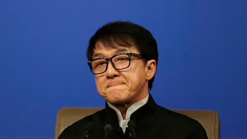 """""""Siento orgullo de ser chino"""": Jackie Chan condena los disturbios en Hong Kong, su ciudad natal"""