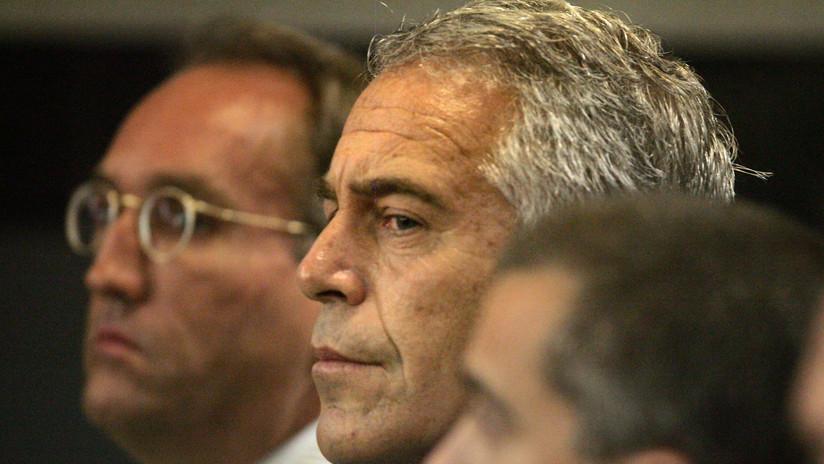 New York Times: Los guardias penitenciarios dormían en lugar de supervisar la celda de Epstein