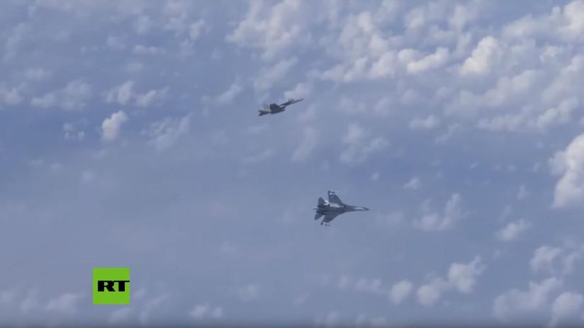 El caza F-18 que se aproximó al avión del ministro de Defensa ruso es español