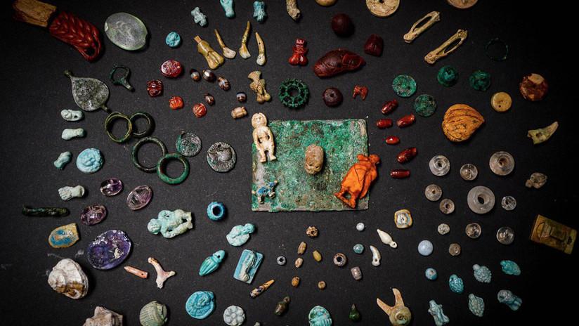 """FOTOS: Hallan en las ruinas de Pompeya joyas y adornos que revelan """"el mundo femenino"""" de la antigua Roma"""