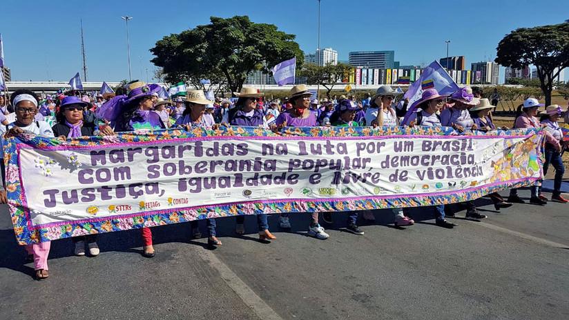 """""""El gobierno actual no nos representa"""": Miles de mujeres marchan en Brasilia contra Bolsonaro (FOTOS, VIDEO)"""