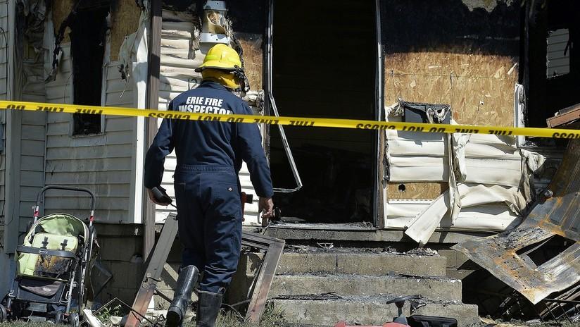 Un bombero pierde a sus tres hijos en un incendio mientras respondía a una falsa alarma