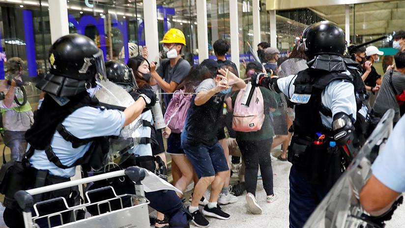 """Cancillería de China condena el apoyo de políticos estadounidenses a los """"violentos y criminales"""" disturbios de Hong Kong"""
