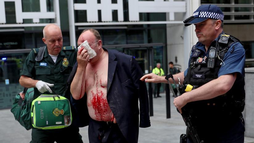 Apuñalan a un hombre frente a la sede del Ministerio del Interior del Reino Unido