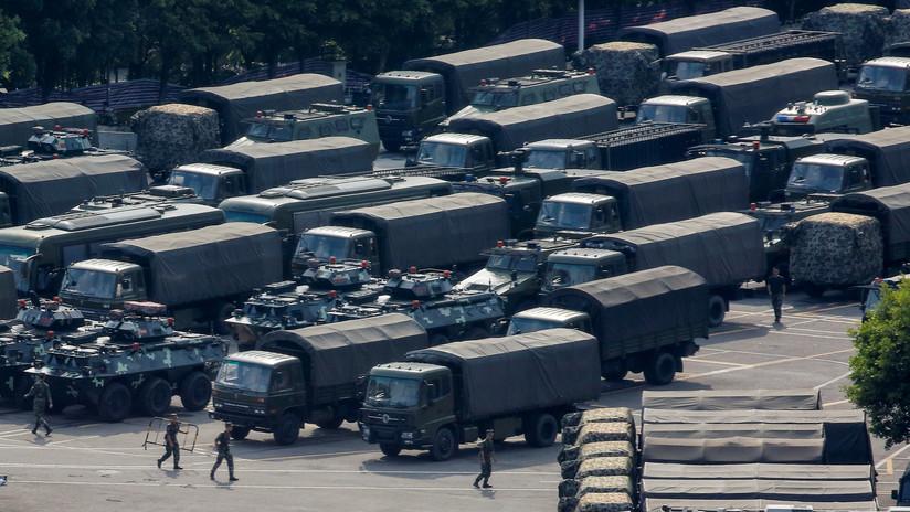 FOTOS: Militares chinos practican tácticas antidisturbios en la frontera con Hong Kong