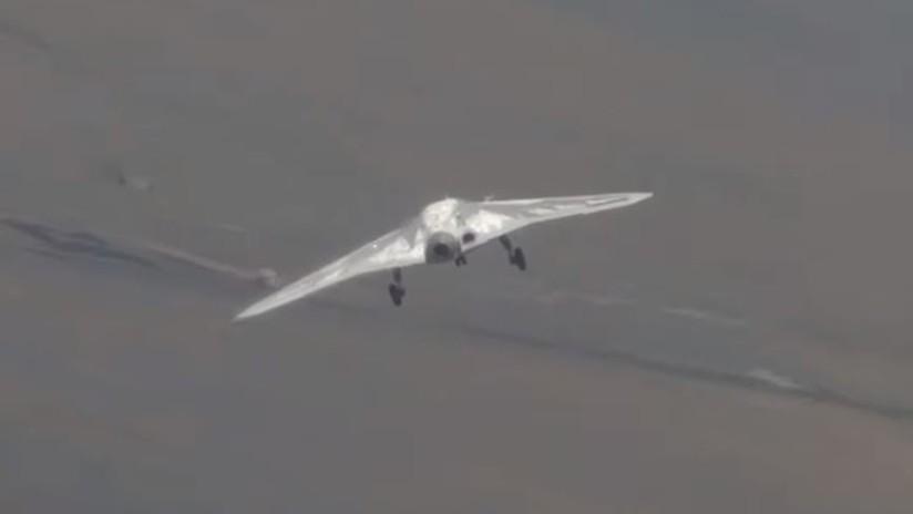 VIDEO: El nuevo dron armado ruso Cazador vuela por primera vez acompañado por avión de combate