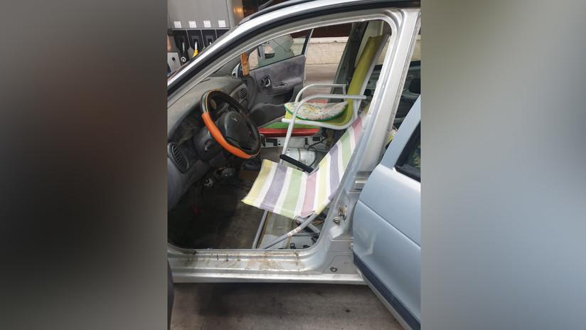 La policía detiene en España un coche que tenía sillas de playa y una hamaca en lugar de asientos (FOTOS)