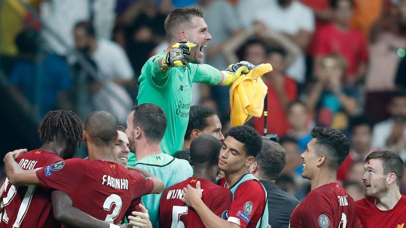 VIDEO: Portero del Liverpool es lesionado por un aficionado en la final de la Supercopa de Europa