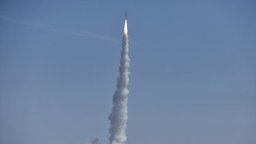China pone tres satélites en órbita usando por primera vez el cohete portador Smart Dragon-1