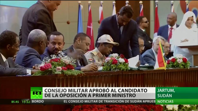 El Consejo Militar de Sudán y la oposición firman iniciar un período de transición