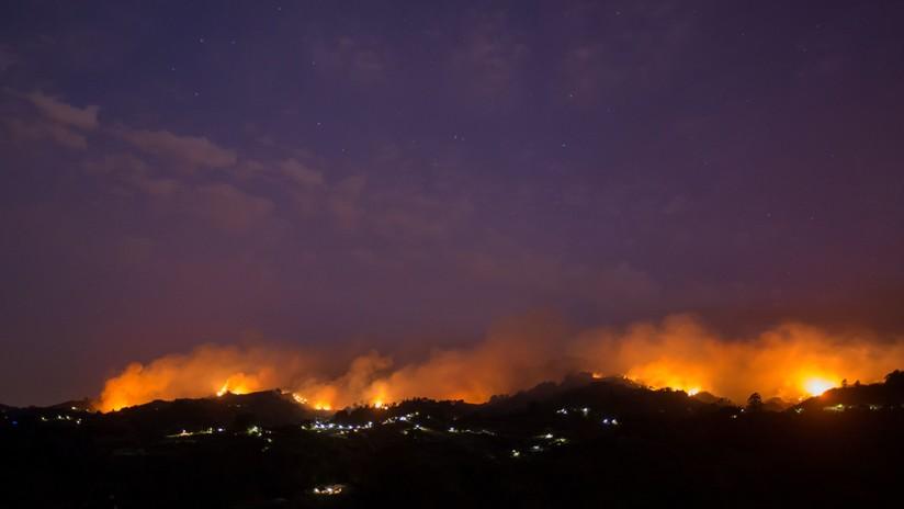 """""""Imparable y destructivo"""": el incendio forestal de Gran Canaria alcanza el Parque Natural de Tamadaba"""