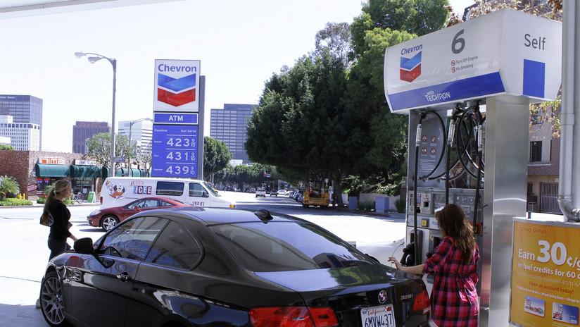 EE.UU.: Una gasolinera desata un caos vehicular luego de ofrecer el litro de combustible a 10 centavos de dólar
