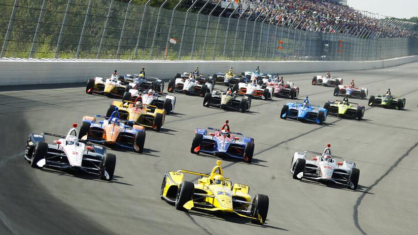 VIDEOS: Varios monoplazas protagonizan un masivo choque en la primera vuelta de un circuito de la IndyCar