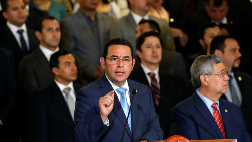 """Presidente de Guatemala denuncia una """"persecución política"""", tras la absolución de dos familiares"""