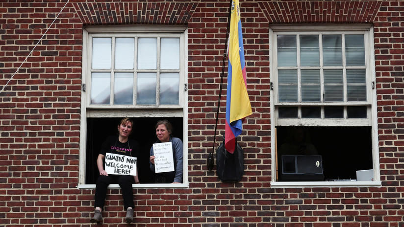 Nadar a contracorriente en EE.UU.: ¿qué pasó con los activistas que protegieron la Embajada de Venezuela en Washington?