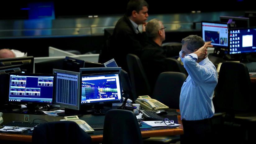 La bolsa de Argentina cae un 8 % en medio de la incertidumbre postelectoral
