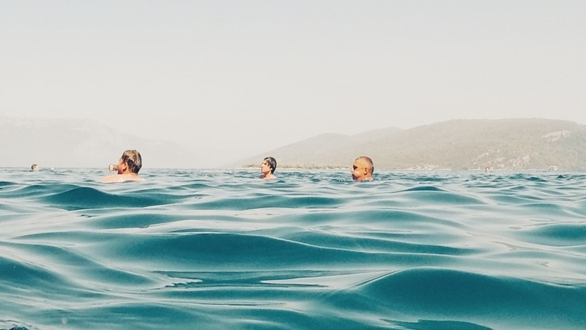 Mundo Web: Se filmaron en el mar tras estrellarse con su avión