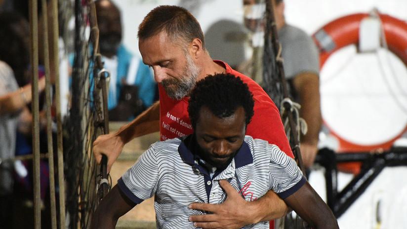 ¿A qué sanciones podría exponerse el Open Arms por rescatar migrantes en el Mediterráneo?